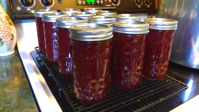 Canned strawberry jam
